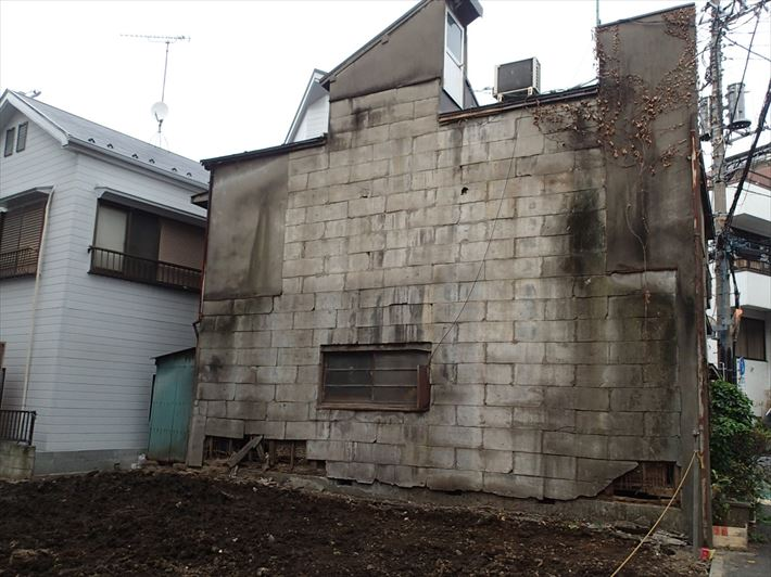 文京区白山にて隣家の解体に伴い外壁のメンテナンスをご検討