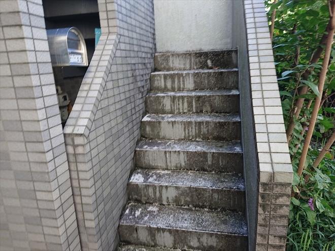 外部の階段