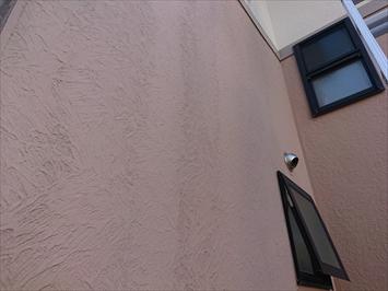 雨だれが付いた外壁