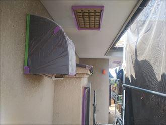葛飾区金町で行った外壁塗装工事で養生作業を行いました