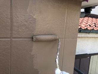 柱型も仕上げは2回塗ります