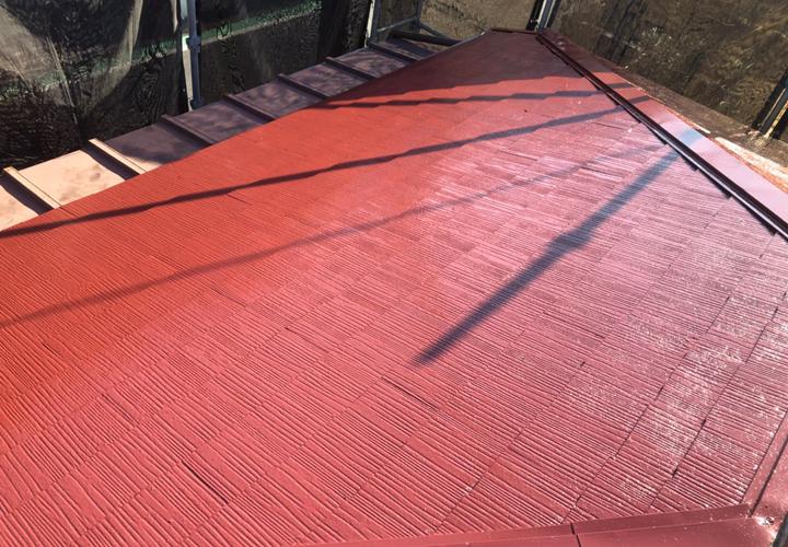 ファインパーフェクトベスト マルーンで塗装したスレート屋根