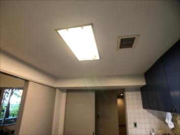 塗装前のキッチン天井