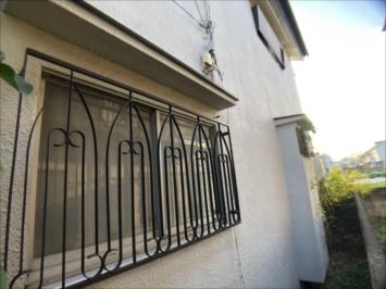 塗装前の窓の柵