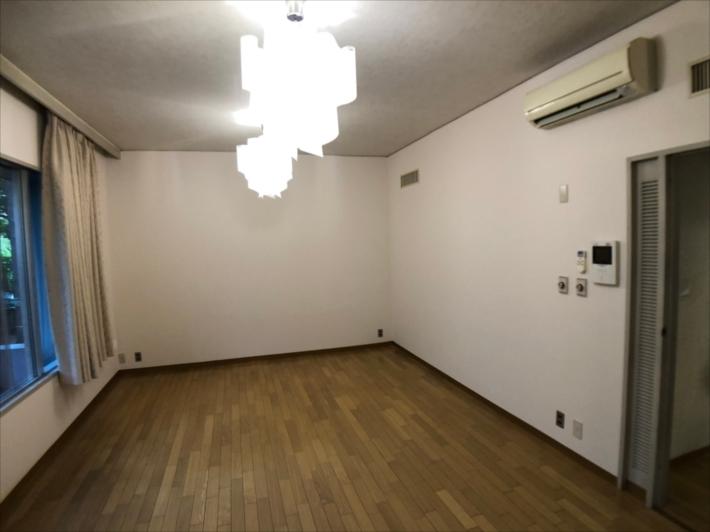 塗装完了の室内