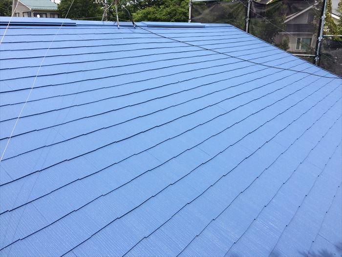 クールネオサファイアブルーでの屋根塗装完了