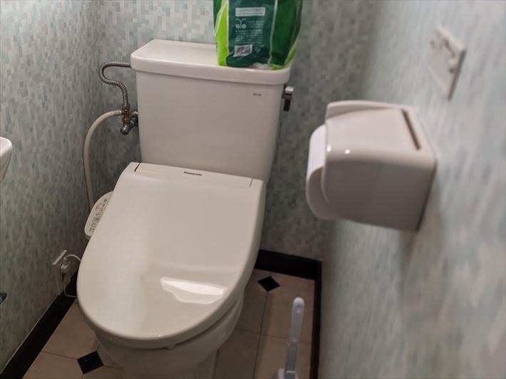 幅が広く狭く感じるトイレ