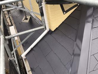 1階屋根の塗装の様子
