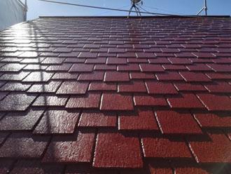 塗装後のアーバニー屋根 日の当たり具合によって色の見え方が違います