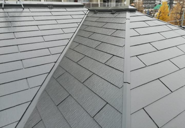 ファインパーフェクトベストのダークグレーで、大田区久が原にあるアパートのスレート屋根塗装!