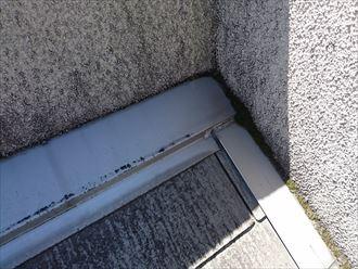 外壁と屋根材の取り合い