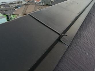 棟板金を固定している釘の浮き