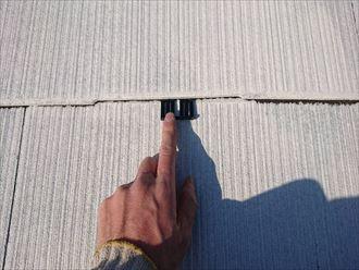 下塗りの後、タスペーサーを入れていきます