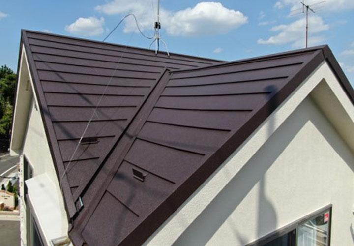 屋根カバー工法が完了