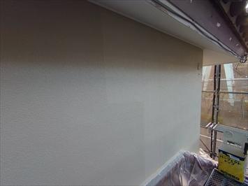 仕上げの塗装は2回塗りで仕上げます