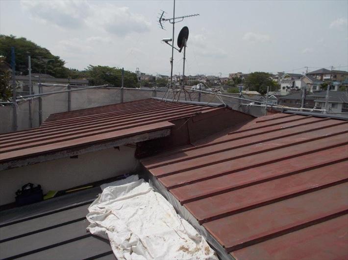 トタンの瓦棒葺き屋根