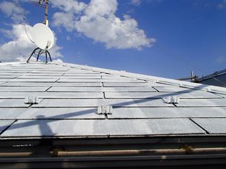 屋根全体を塗る