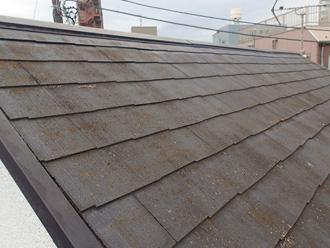 汚れが目立つようになってしまったスレート屋根