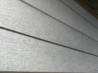 サイディングの塗膜劣化による汚れの付着