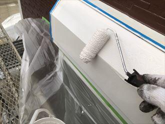 シャッターボックスを塗装