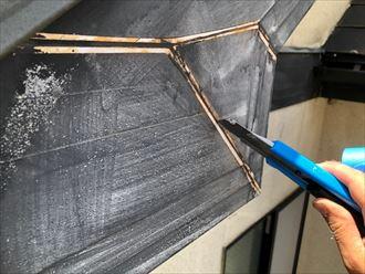 破風板の継ぎ目シーリングも施工します