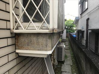 出窓下の外壁の劣化