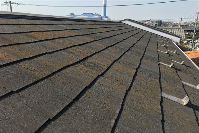 スレート屋根の汚れ、コケの付着