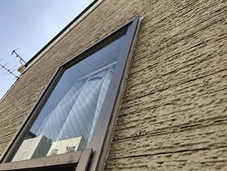 2階の窓上部の補修