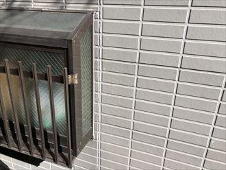 窓枠のシーリングが劣化