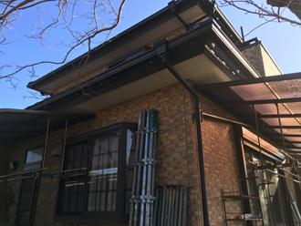 外壁塗装と防水工事を検討している邸宅