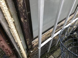腐食した窓枠木部