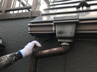 江東区南砂で塗装工事施工中の現場、本日は付帯部塗装を実施したします