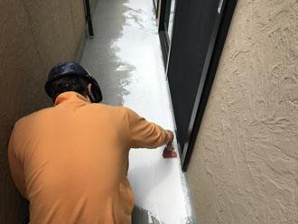 ひび割れ部分の補修 FRP防水トップコート塗替え