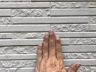 壁を触るとチョーキング現象が判別できます
