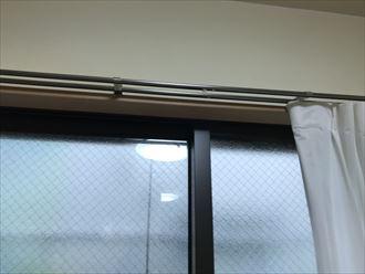 雨漏りを来たし始めた窓枠
