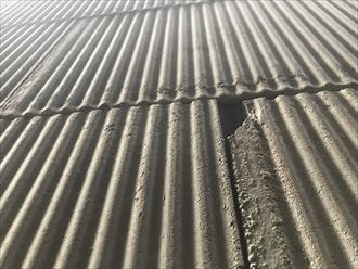 セメント板の欠損
