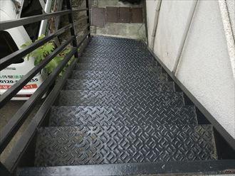 鉄階段の状況
