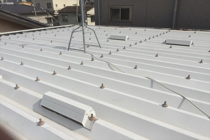 鉄製の折板屋根