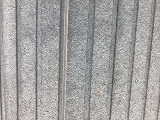 縦目地の劣化と外壁の変色
