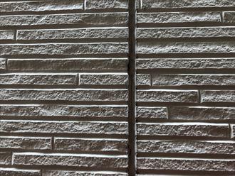 足立区西保木間でシーリングの割れの発生から外壁塗装工事のご相談