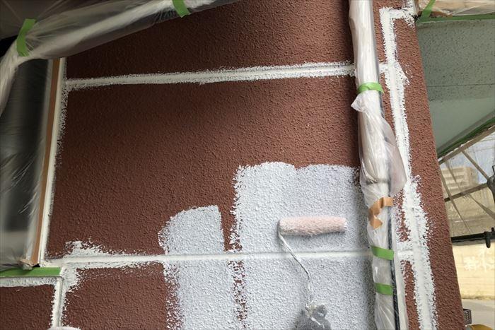 外壁の下塗り工程