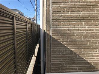 サイディング外壁のシーリング割れ