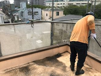 屋上の高圧洗浄