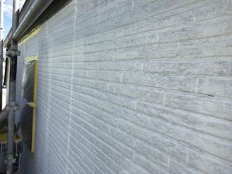 下塗りの外壁