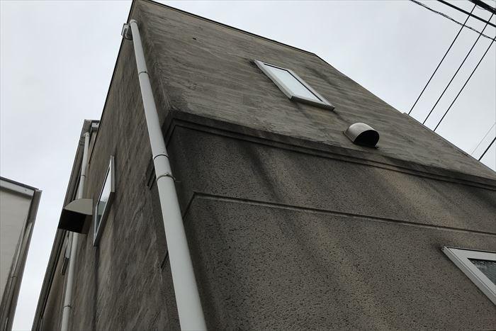 外壁の汚れが目立ってきました