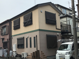 屋根外壁塗装を検討しているお客様邸はツートンカラーでした