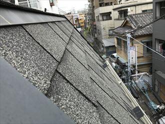 急勾配面のアスファルトシングル屋根