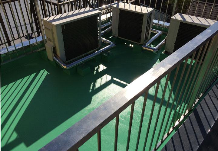 アパート共用部の床と屋上のウレタン塗膜防水工事が竣工