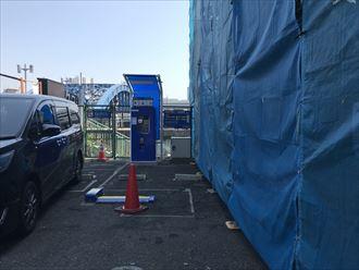 隣地駐車場をお借りして足場仮設