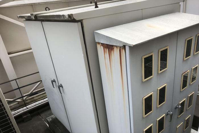 千代田区平河町でビル屋上のキュービクル塗装のご相談、現地調査にお伺い致しました
